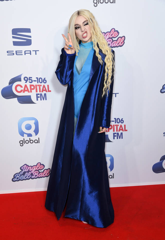 Ava Max's red carpet look was total ice queen vibes