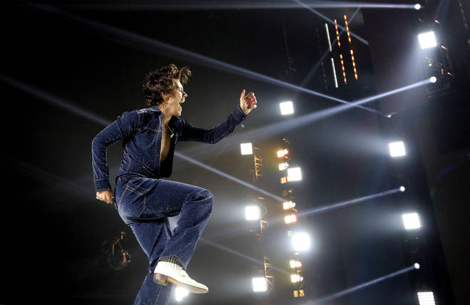 Harry Styles set had fans in awe