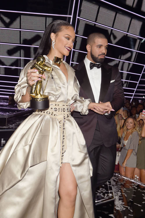 Rihanna e Drake entram e saem há anos