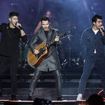 Jonas Brothers perform 'Cool' and 'Burnin' Up' on their 2020 tour