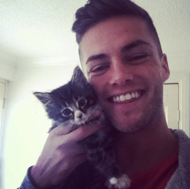 The Love Island hopeful is totally smitten with his kitten