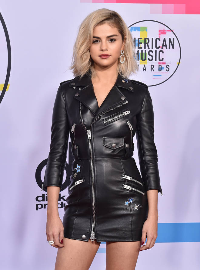 Selena Gomez stunned with blonde hair