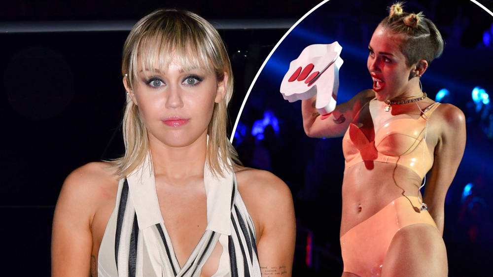 Sauna miley cyrus nackt Miley Cyrus