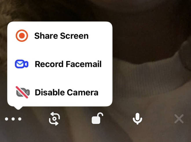 You can leave video messages for your friends when they're offline