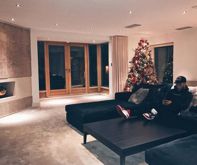 Alex Oxlade-Chamberlain has shared a few snaps of his home with Perrie Edwards