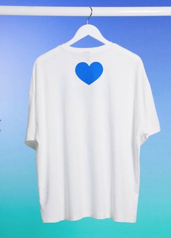 The t-shirt uses the NHS' core colour scheme