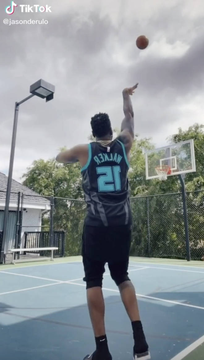 Jason Derulo has his very own basketball court