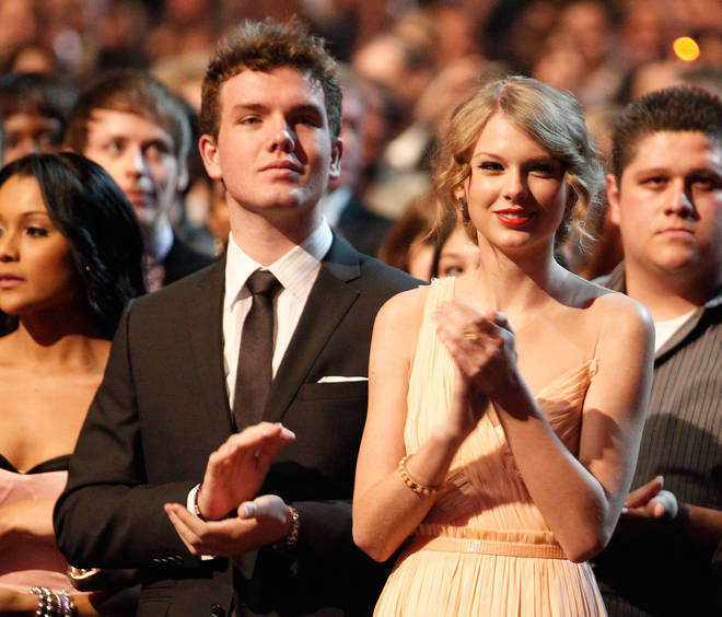 2011 People's Choice Awards - Backstage And Audience