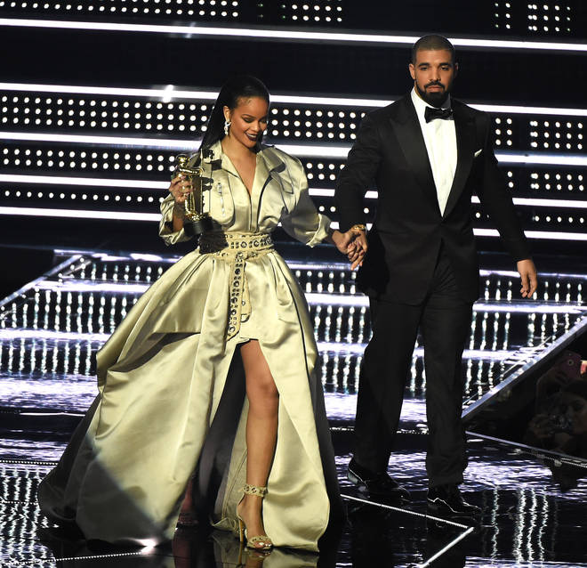Fans have been speculating if Drake's Arabic lyrics were directed at Rihanna