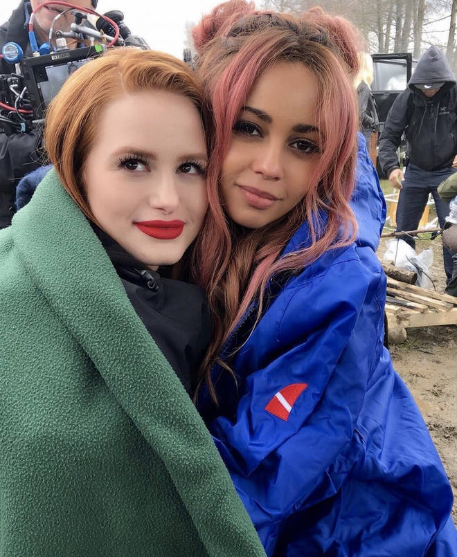 Vanessa Morgan and Madelaine Petsch are on-screen love interests in Riverdale
