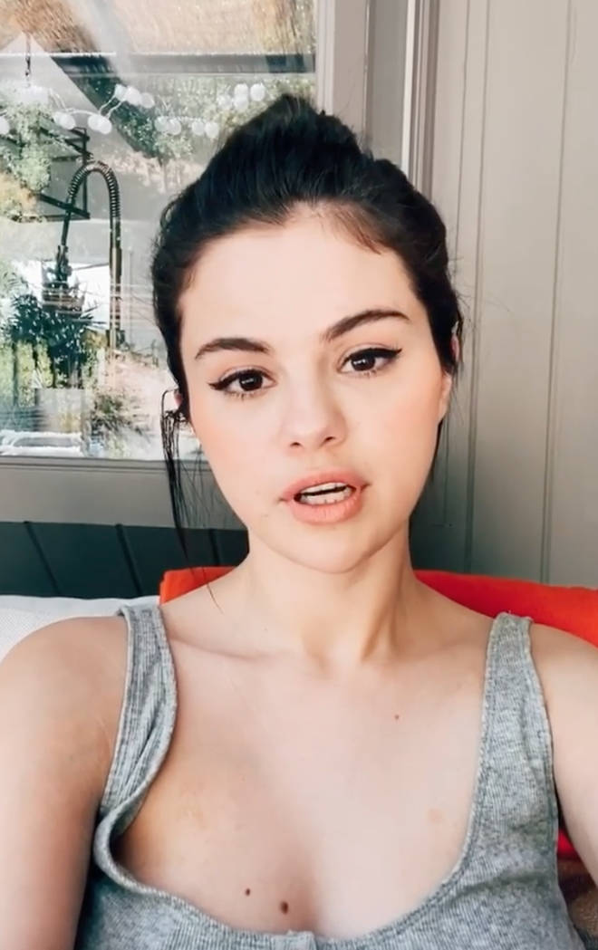 Selena Gomez has admitted she used to 'cover up' to hide her scar.