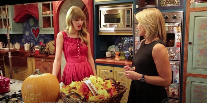 Taylor Swift gave a glimpse at her Nashville apartment in 2012