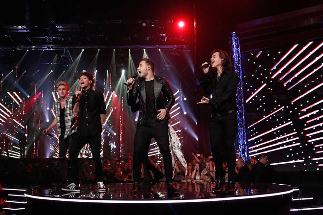 One Direction perform at the 28th Annual ARIA Awards in 2014
