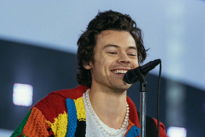 Harry Styles spark a fashion trend with this cardigan