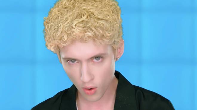 Troye Sivan as Justin Timberlake in '1999'