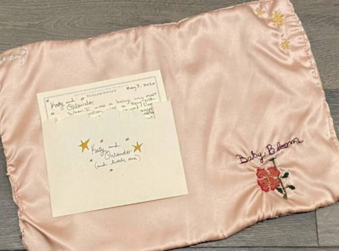Taylor Swift sends hand embroidered blanket to Katy Perry