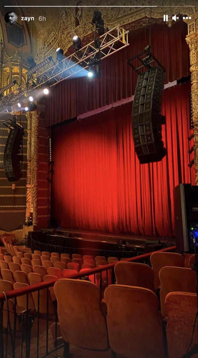 Zayn posts Instagram from inside theatre in New York