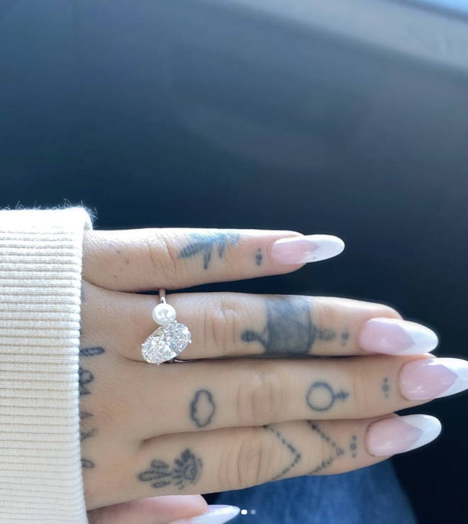 Dalton Gomez proposed to Ariana with an incredible diamond and pearl engagement ring