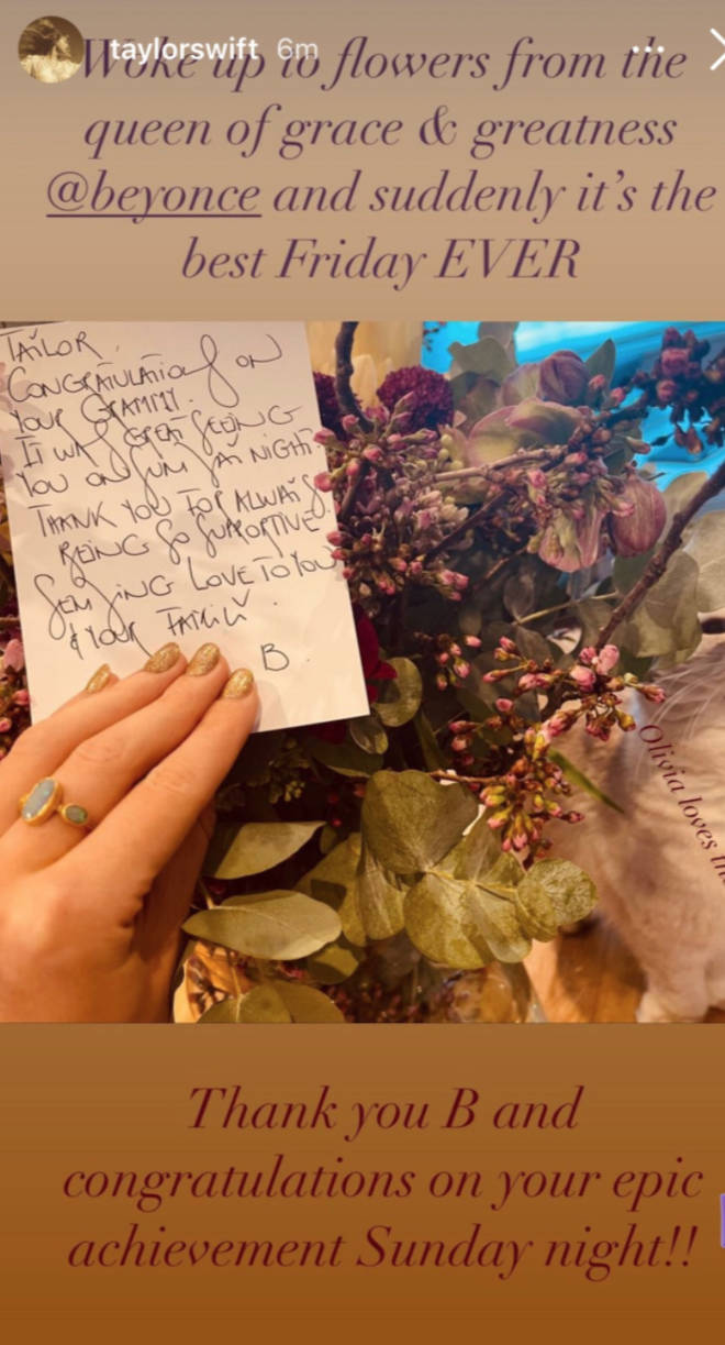 Taylor Swift received flowers and a note