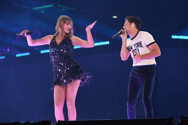 Taylor Swift and Niall Horan perform at the Reputation Stadium Tour