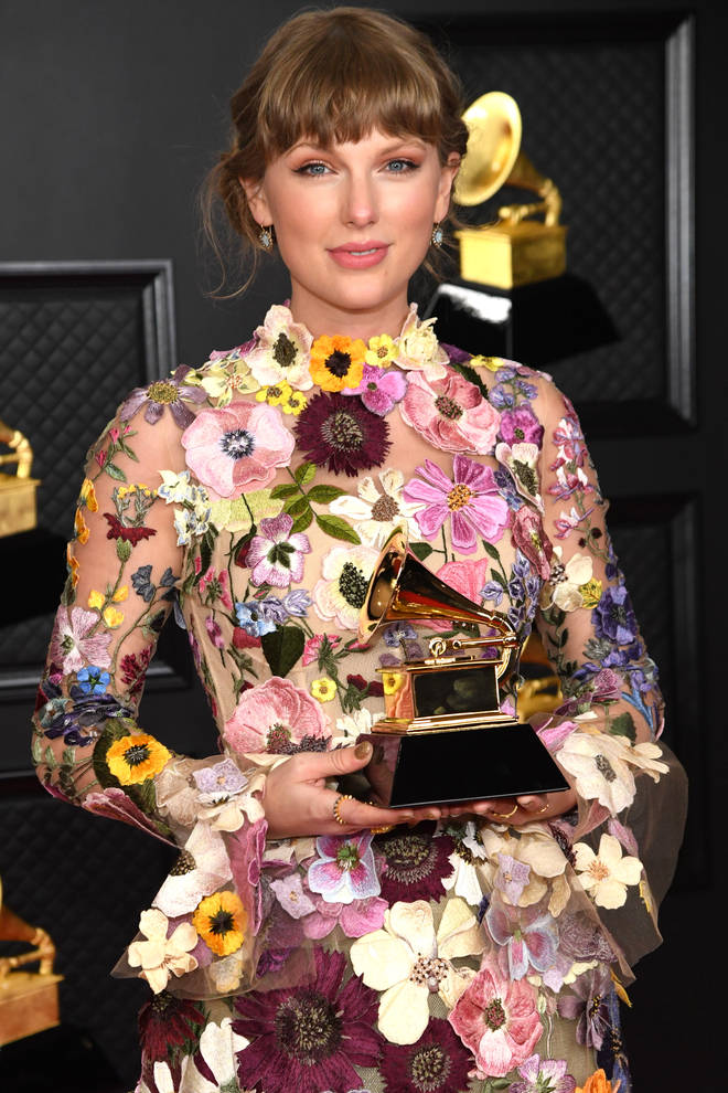 Taylor Swift is re-releasing album 'Fearless' with a string of unheard songs