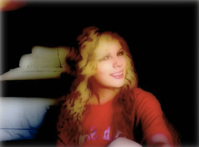 Taylor Swift's webcam selfies are something we've never related to more