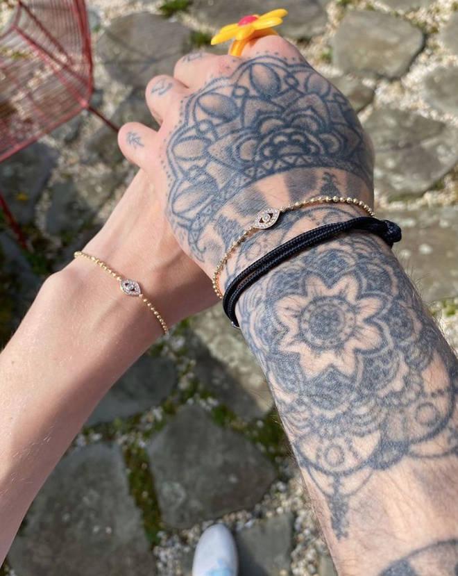 Gigi Hadid and Zayn Malik have matching evil eye bracelets.
