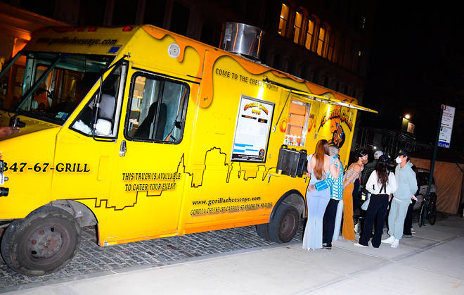 Gigi Hadid enjoyed a grill cheese truck outside of her NYC apartment.