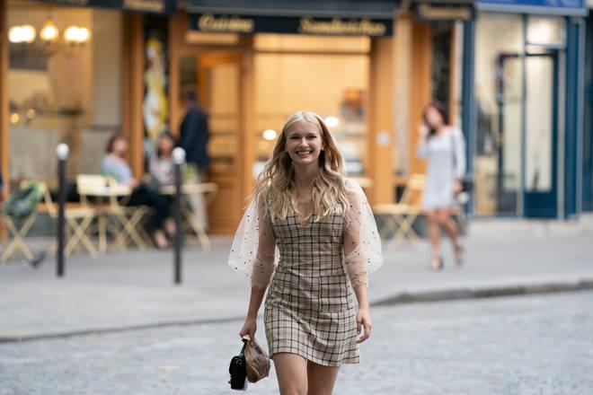 Camille Razat will return as Camille in Emily in Paris