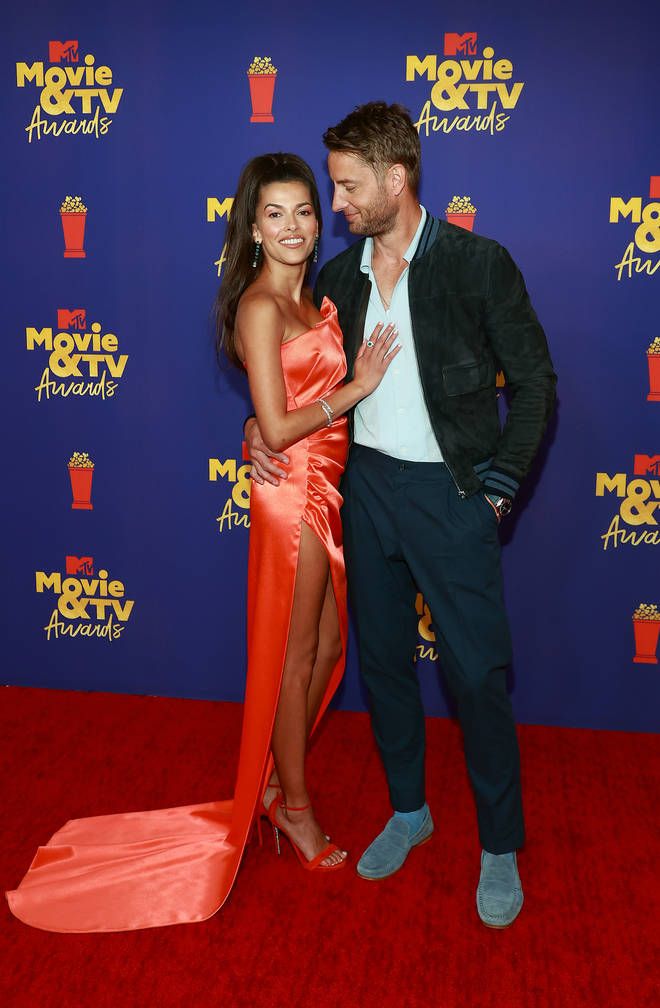 Justin Hartley and Sofia Pernas wore matching wedding rings
