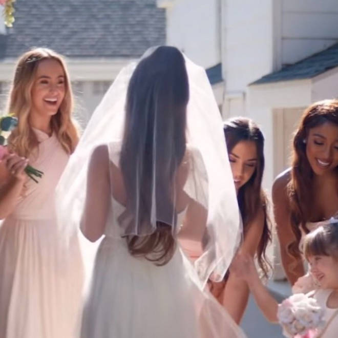 Ariana Grande's fans resurfaced the wedding look from 'Thank U, Next'