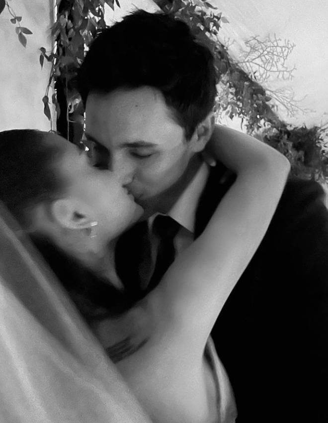 Ariana Grande married Dalton Gomez on 15 May 2021
