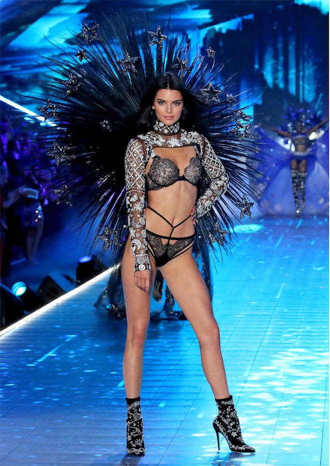 d6eb661c7a Everyone s Annoyed Kendall Jenner Was Given Better Outfits Than ...