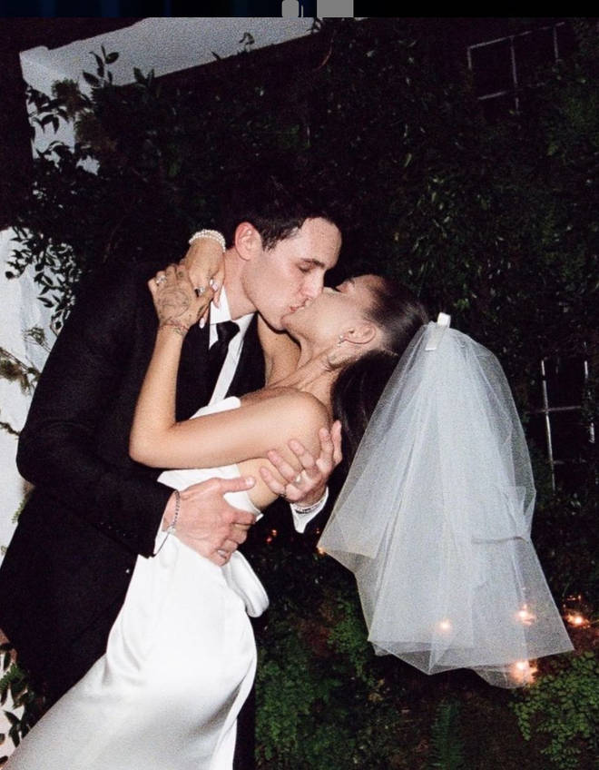 Ariana Grande kept her hand tattoos for her wedding day