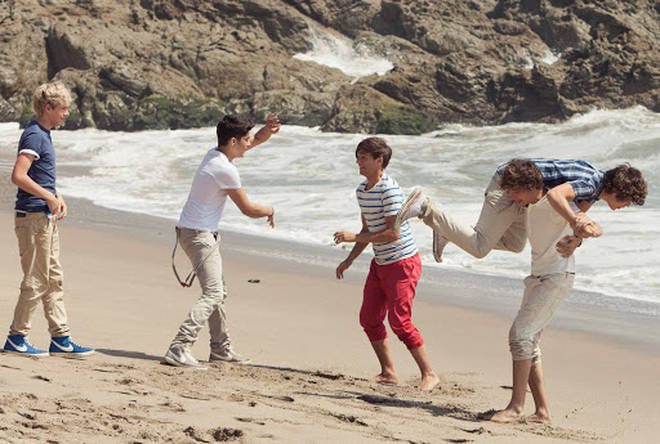 Liam Payne scooped up Harry Styles in the 'WMYB' music video
