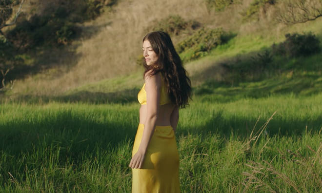 Lorde put on a summer display in the 'Solar Power' music video