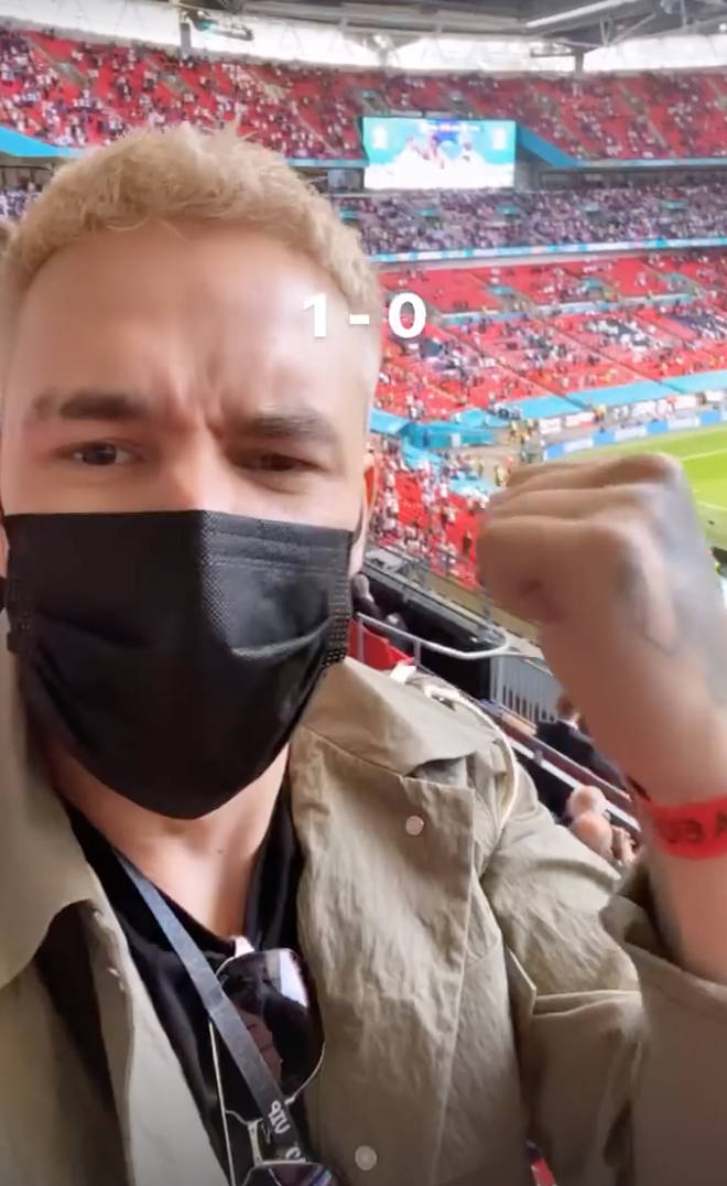 Liam Payne showed off his blonde hair at the England match