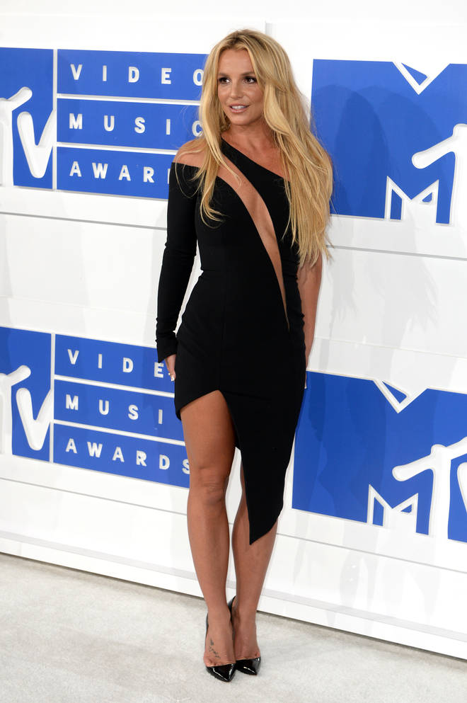 Britney Spears accused her team of 'controlling' her