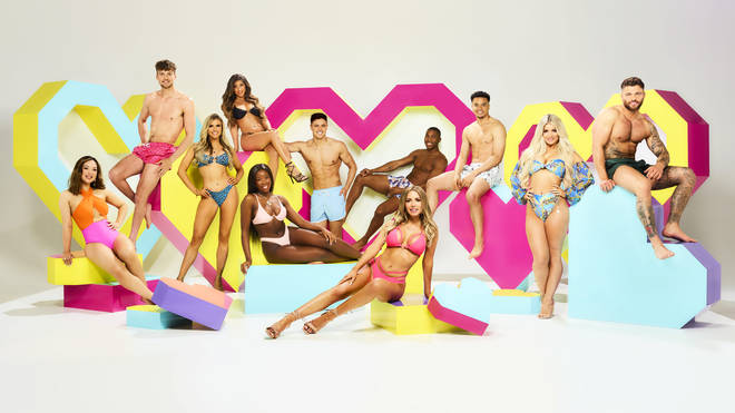 Do Love Island contestants have clothing rules?