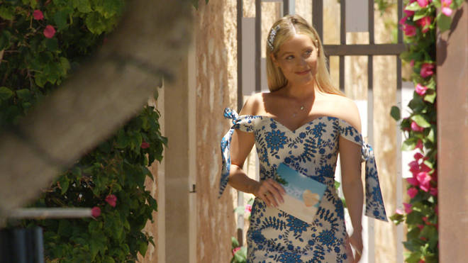 Laura Whitmore introduced the islanders in episode one