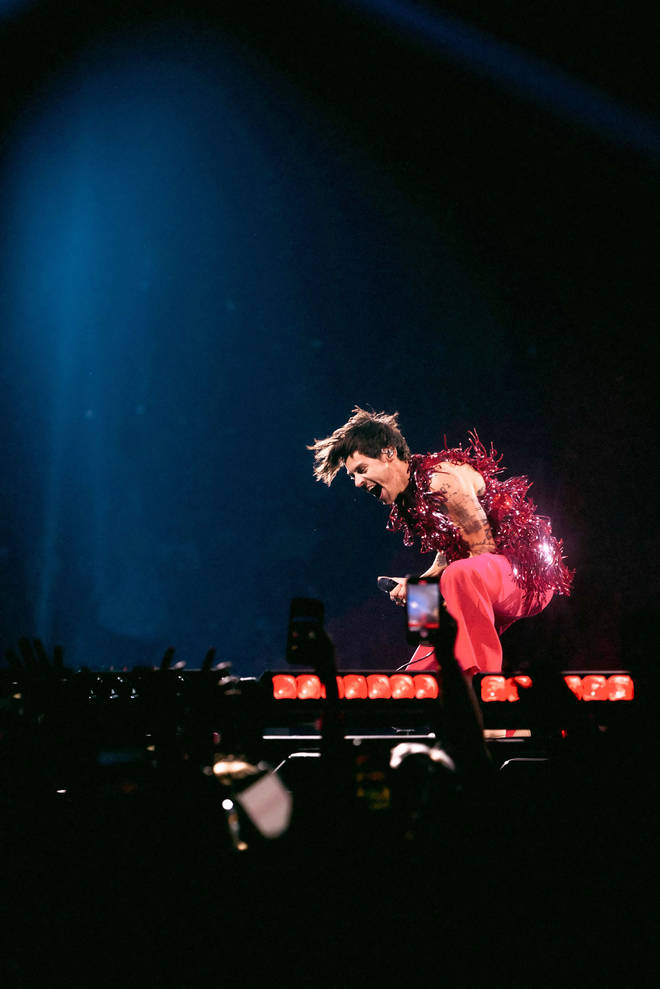 Harry Styles returns to touring in a big way