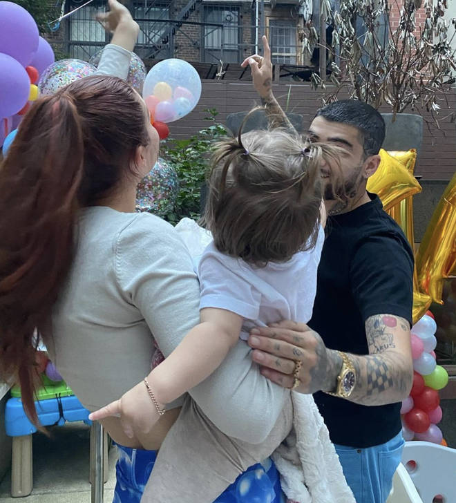 Fans gushed over the adorable snap of Gigi, Zayn and Khai