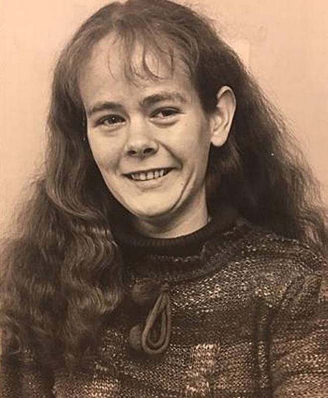 Anne Hegerty looks totally different in photo from 1983