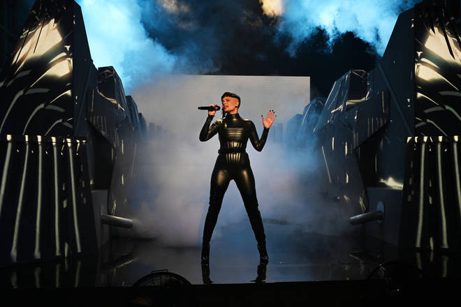 Halsey performed at SNL on the weekned