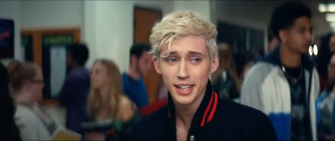 Troye Sivan's cameo is debuted in the thank u, next trailer