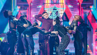 Olly Alexander from Years & Years blew us away with this amazing performance!