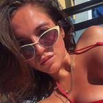 Vicky Pattison hit back at troll who body shamed her latest pap pictures.