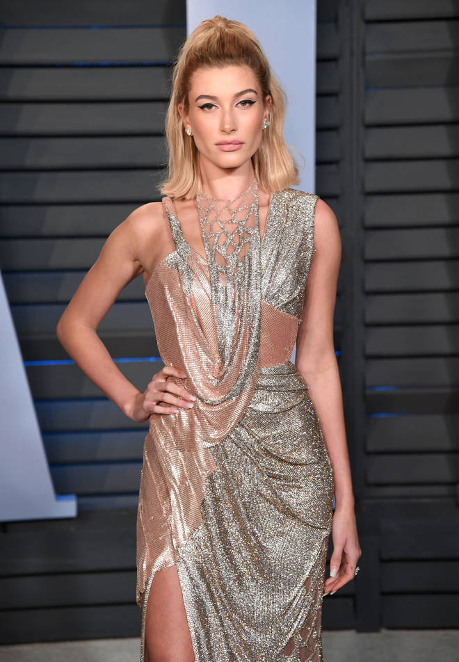 Hailey Baldwin's sexy dress on the red carpet