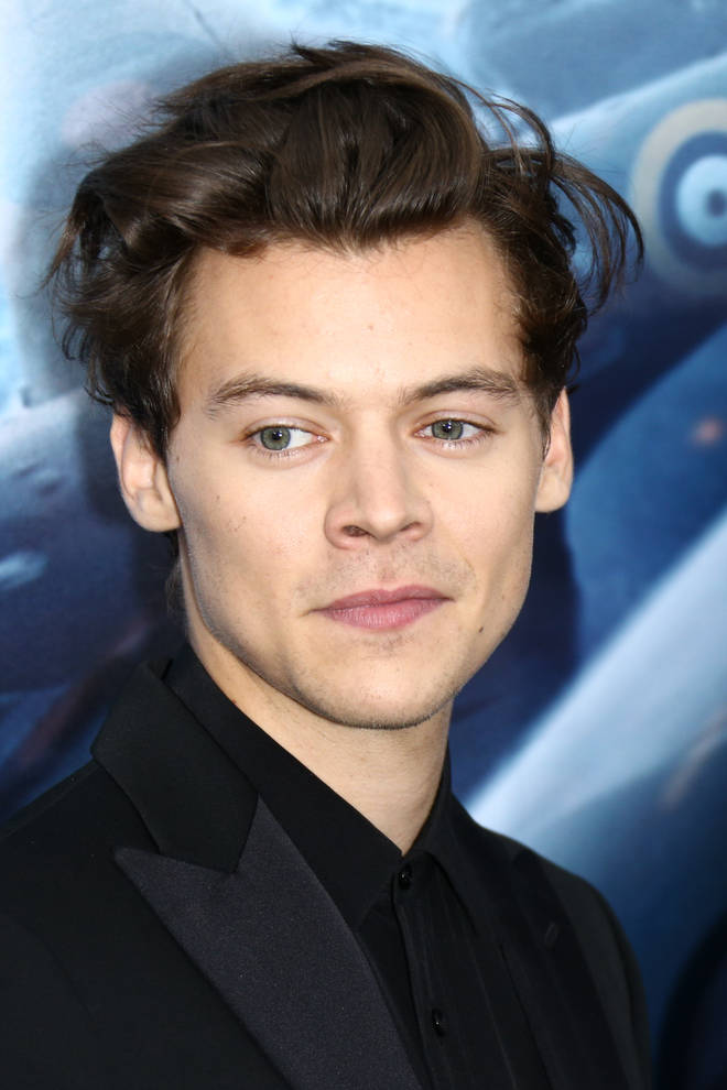 Harry Styles in an all black ensemble at the Dunkirk premier