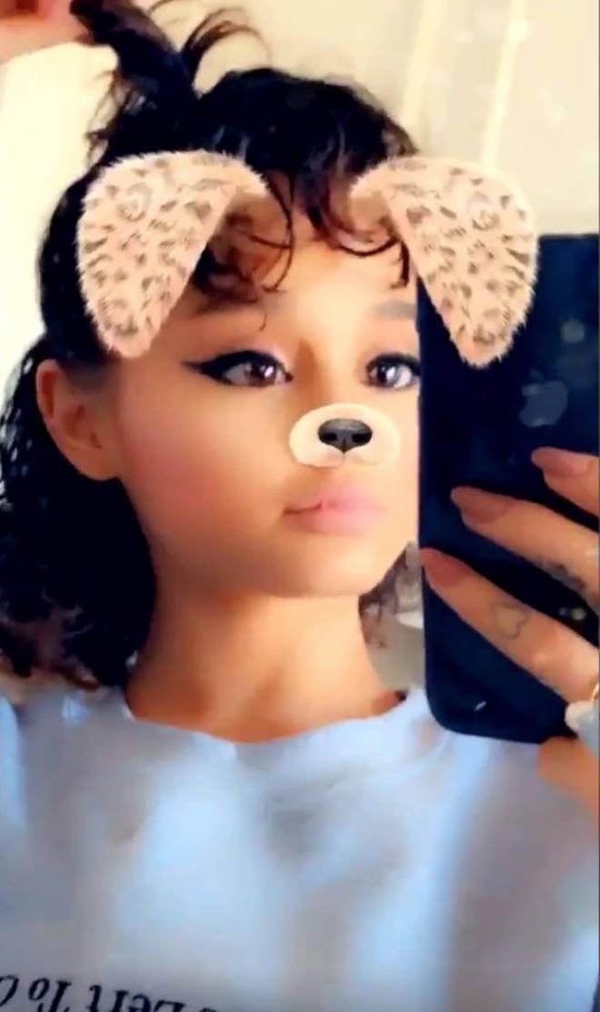 Ariana Grande rocks naturally short, curly hair